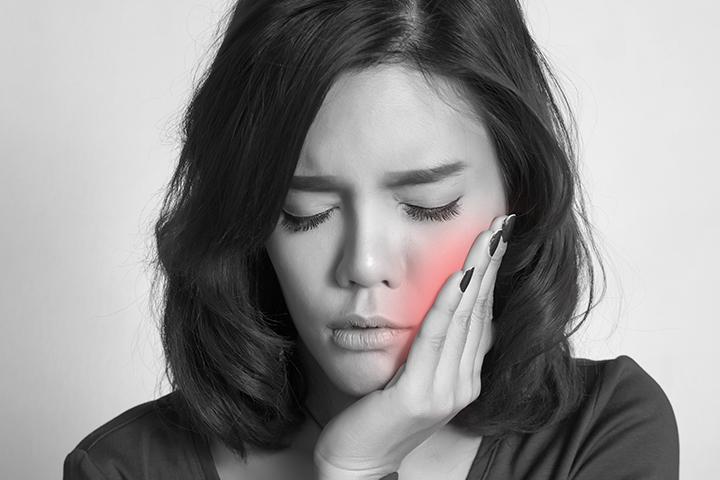 Flemón dental: ¿qué es, por qué aparece y cómo se trata?