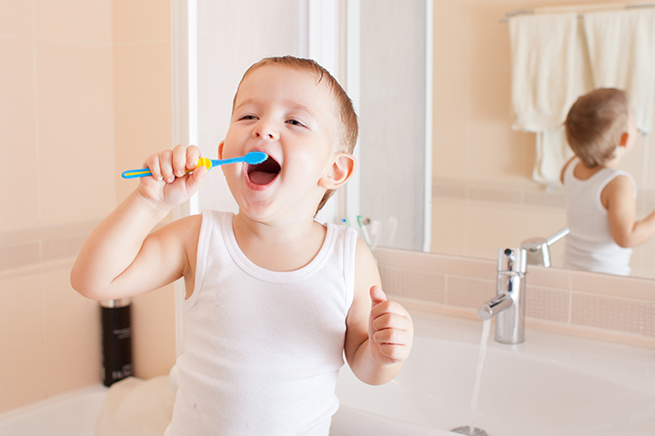 3 trucos para enseñar a tus hijos a lavarse los dientes
